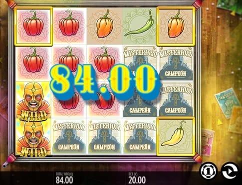 Выплата за комбинацию символов в игровом автомате Luchadora